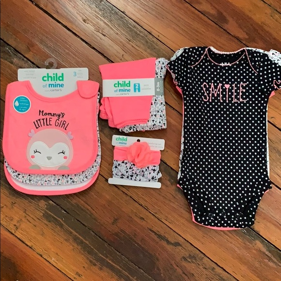 dcfe58dac child of mine Matching Sets   Carters Lot Of Baby Girl Outfits Bibs ...